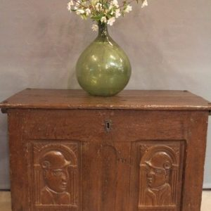 A 16TH CENTURY OAK COFFER
