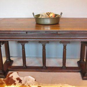 AN 18TH CENTURY DRAW LEAF TABLE