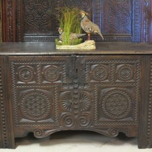 A LARGE 17TH CENTURY COFFER