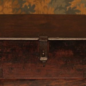 A SMALL 17TH CENTURY STRONG BOX