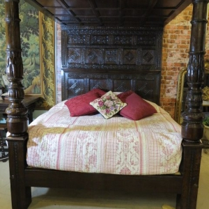 A LARGE 17TH CENTURY TESTER BED
