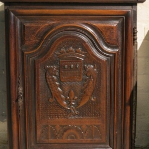 AN 18TH CENTURY FRENCH WALL CUPBOARD