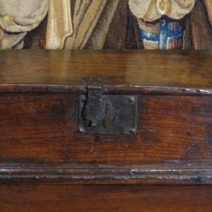 A 17TH CENTURY OAK BOX