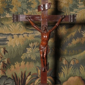 AN 18TH CENTURY CRUCIFIX