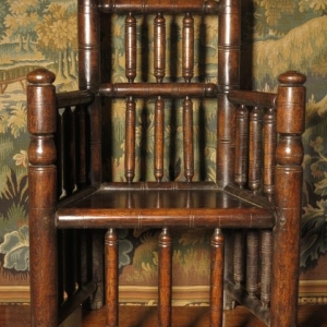 AN 18TH CENTURY TURNER'S CHAIR