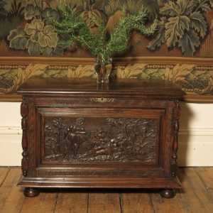 AN 18TH CENTURY CONTINENTAL COFFER